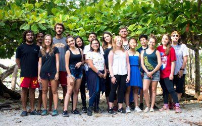 Chicos de la Lincoln School visitan proyecto de Careys de CREMA